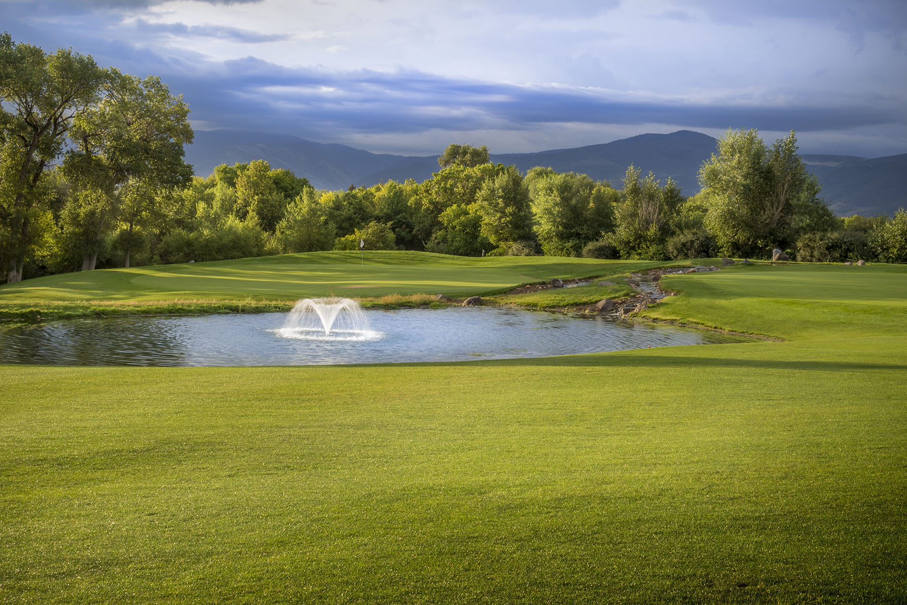 Crater Springs Golf Course